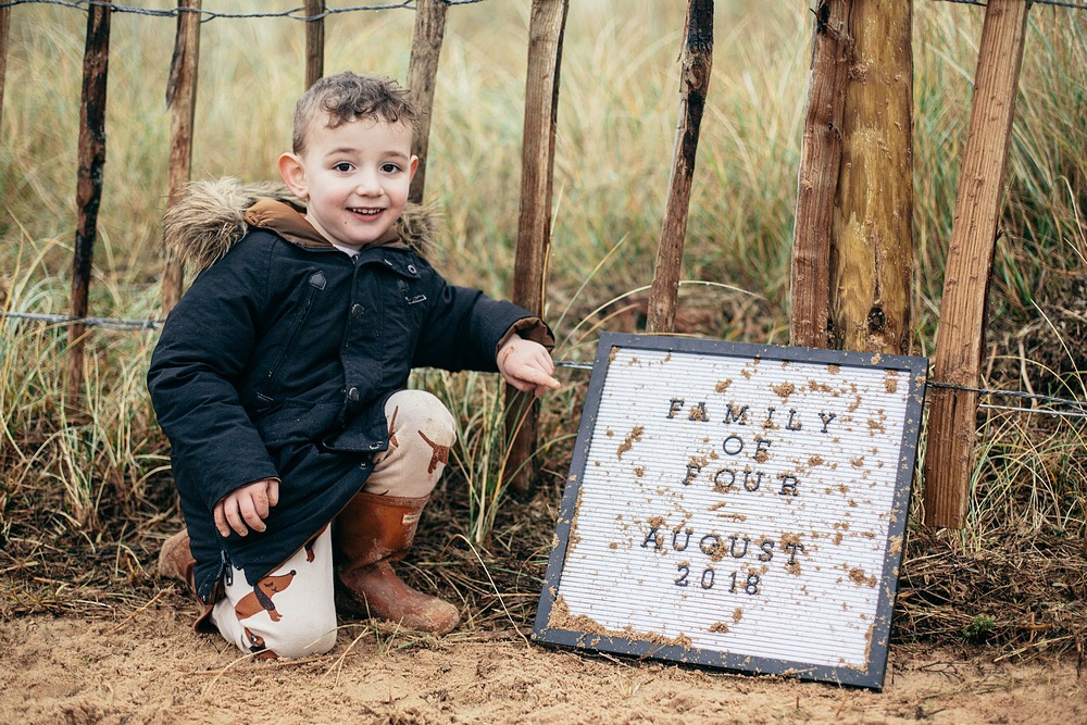 Pregnancy Announcement Ideas - www.dilanandme.com - Announcing baby number two, due August 2018 - Holkham, Norfolk
